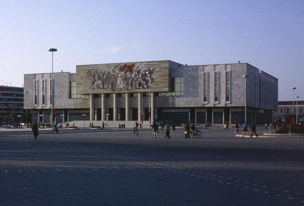 tirana_museum_1988